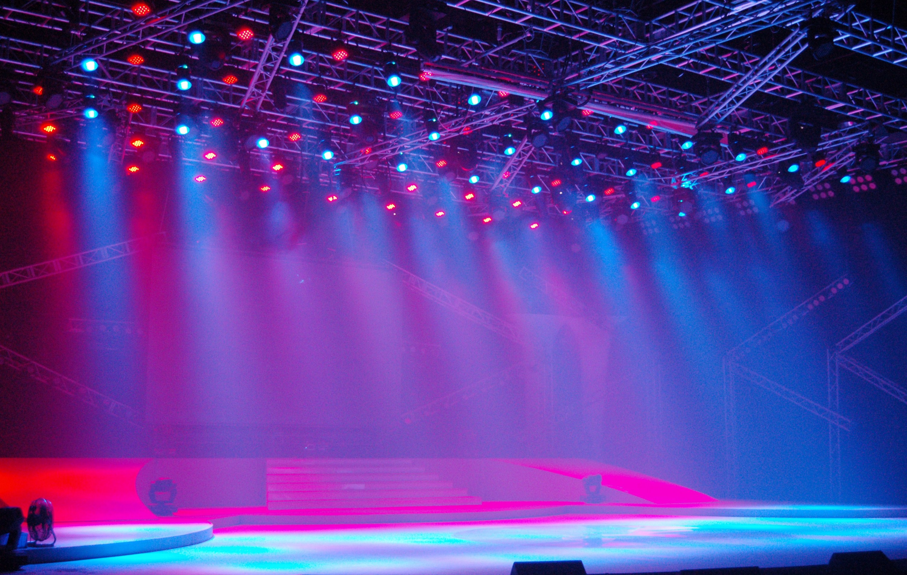stage lighting Alibabacom offers 393,478 stage lighting products about 40% of these are led stage lights, 8% are moving head lights, and 5% are truss display a wide variety of stage lighting options are available to you, such as moving head lights, beam lights, and scan lights.